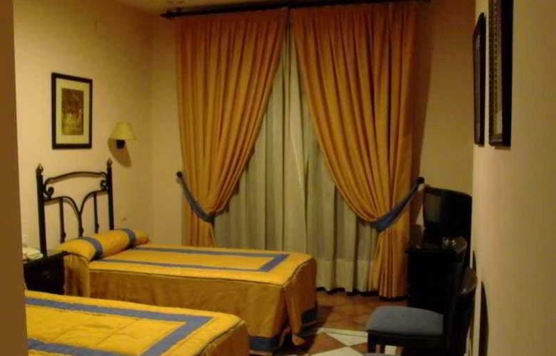 Calderon - Room - 3