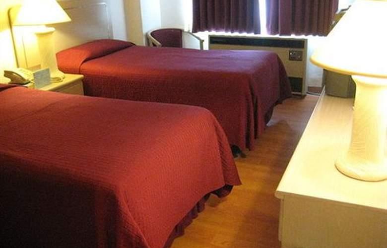 Grand Plaza Hotel - Room - 0