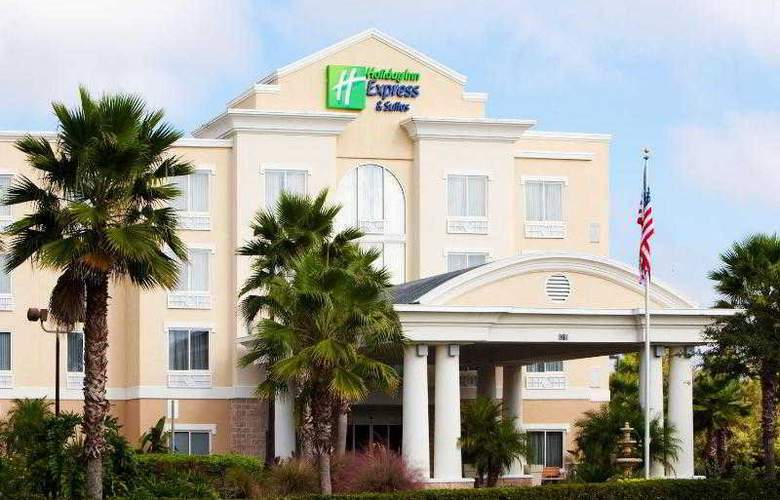 Holiday Inn Express & Suites Tampa - Hotel - 13