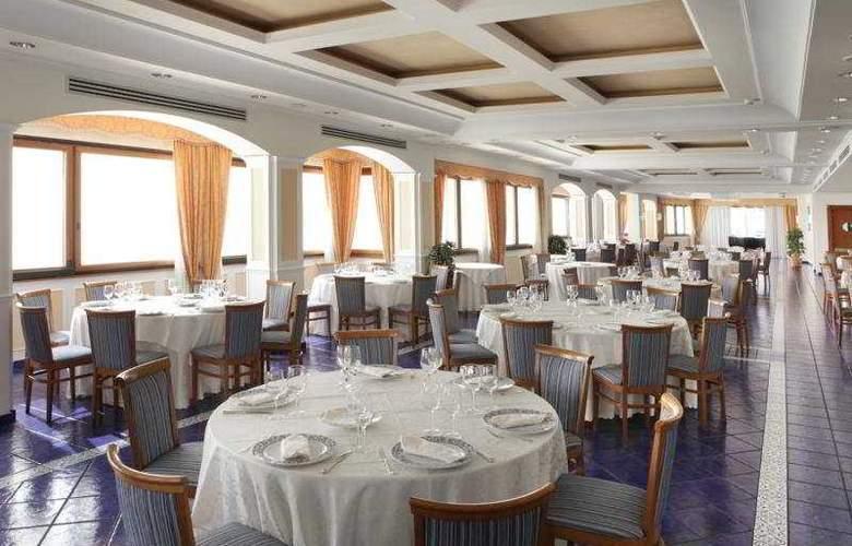 Lloyd's Baia - Restaurant - 6