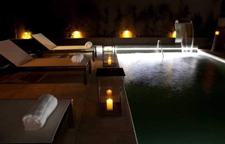 Atempo Design Hotel - Pool - 2