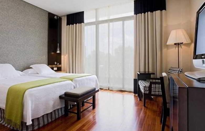 NH Avenida de Jerez - Room - 7