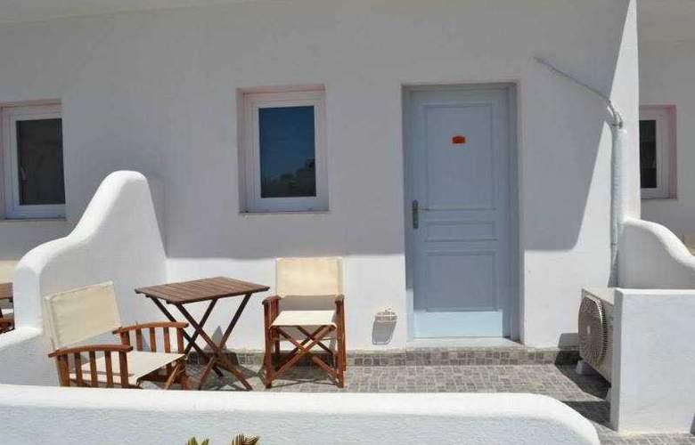 Odysseas Hotel - Terrace - 13