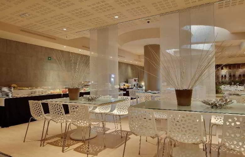 Rafael Hoteles Badalona - Restaurant - 41