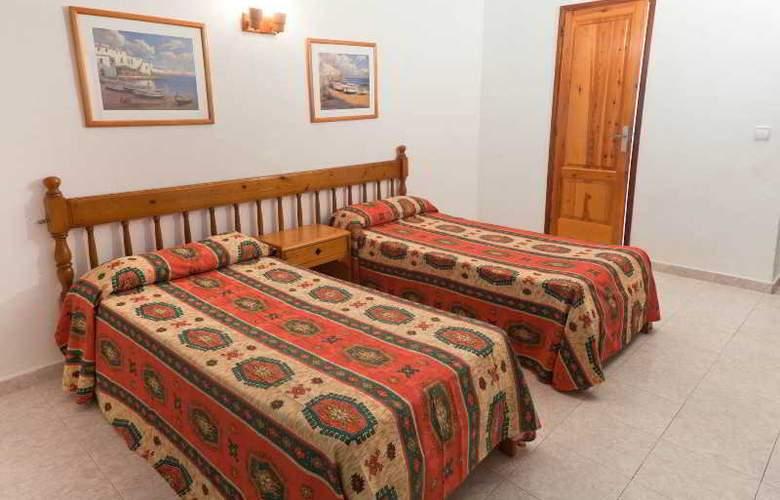 Hostal Torres - Room - 5