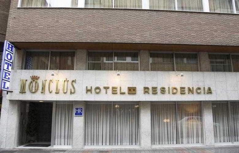 Monclus - Hotel - 0