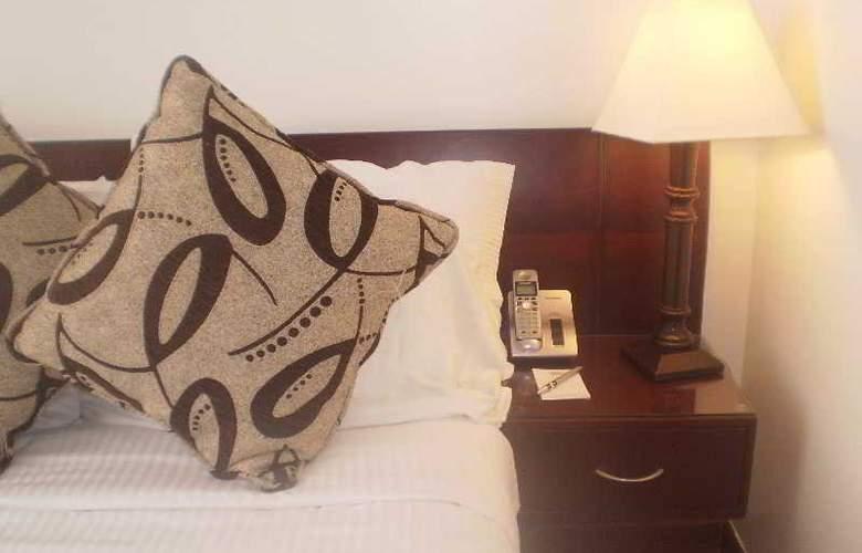 Hotel Platinum Suite - Room - 16