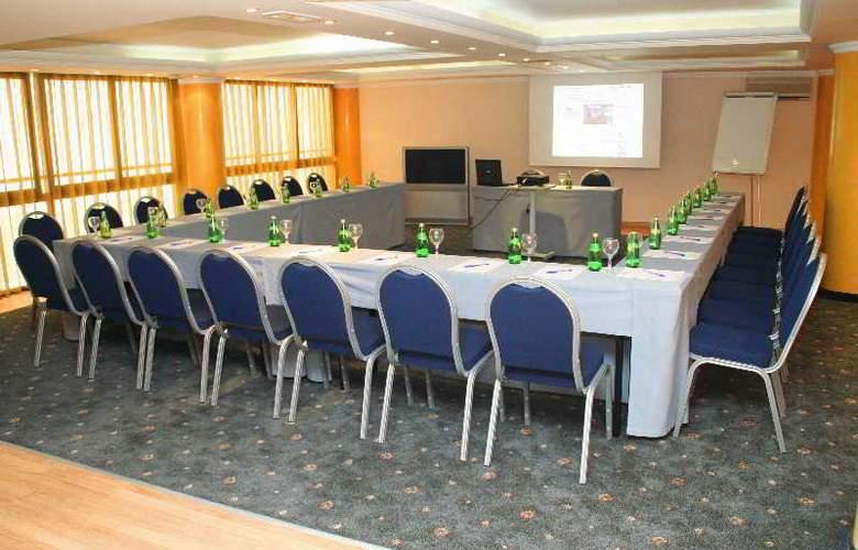 Castello City - Conference - 10