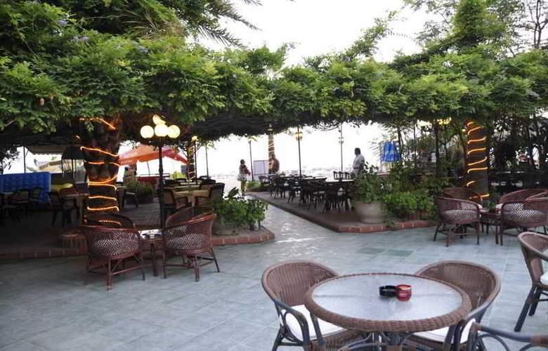 Azak Hotel - Terrace - 6