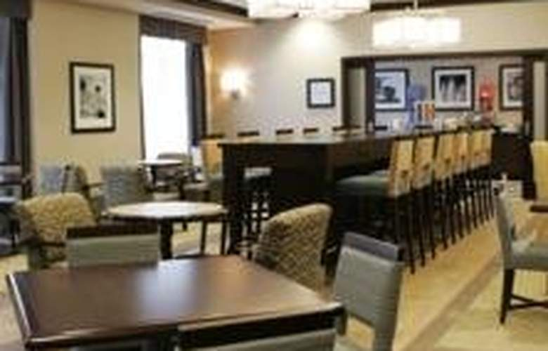 Hampton Inn Toronto Airport Corporate Centre - Restaurant - 7