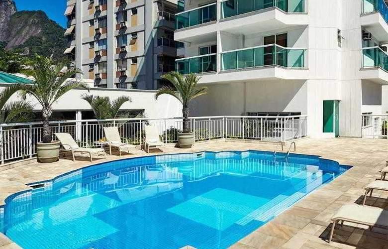 Quality Suites Botafogo - Pool - 3