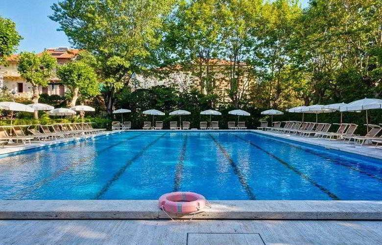 Best Western Premier Collection Grand Royal - Pool - 13