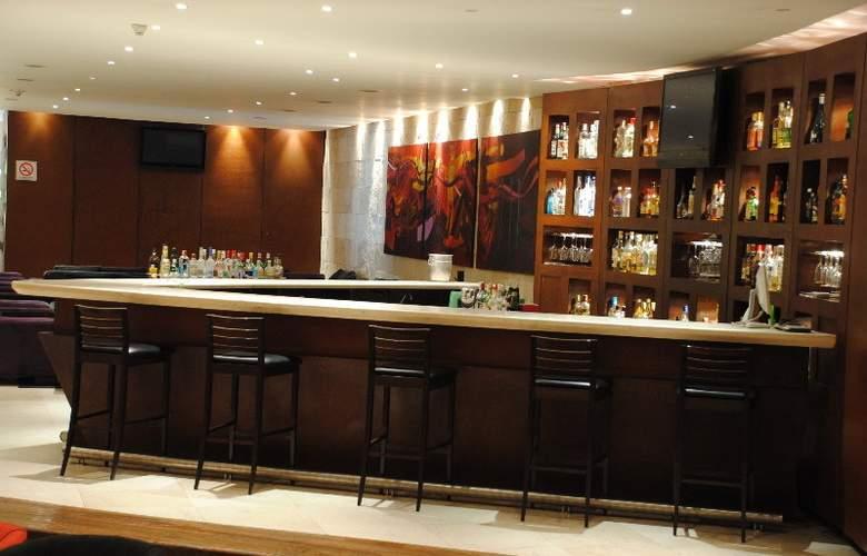Ramada Aeropuerto México - Bar - 12