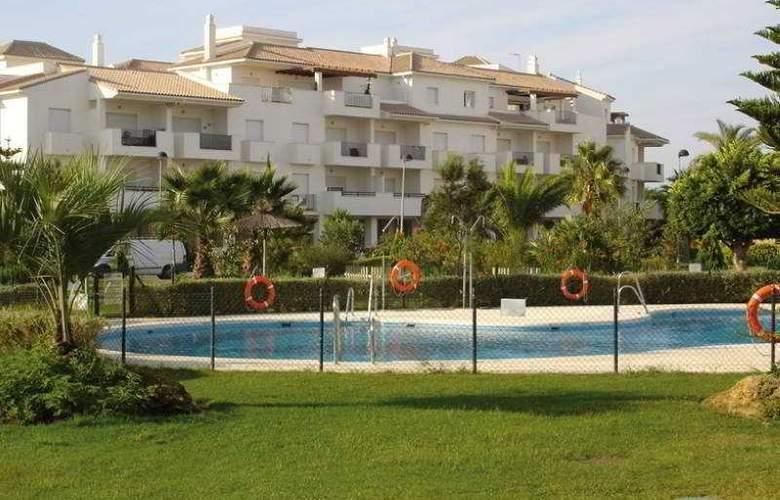 Sun & Life Costa Ballena - Pool - 9