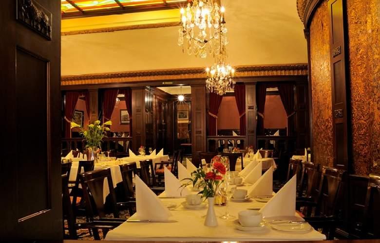Best Western Hotel Eggers - Restaurant - 2