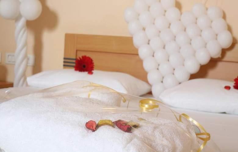 Inbar Hotel - Room - 9