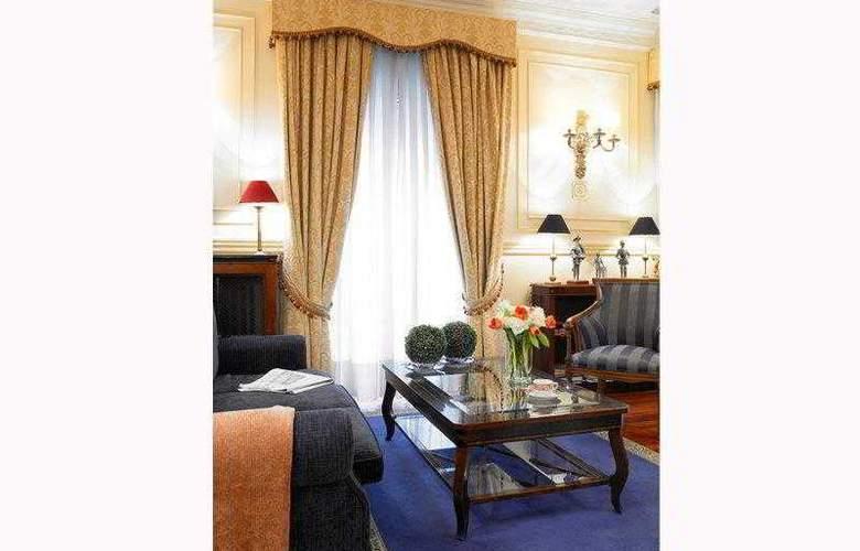 Carlos V - Hotel - 0