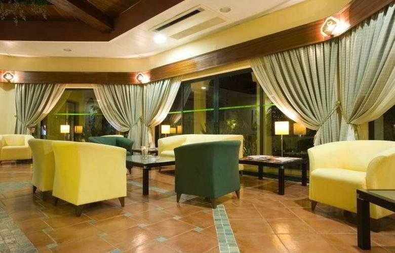 Ria Plaza Resort - General - 1