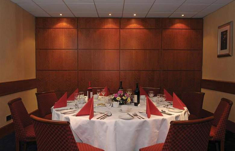 Best Western Kings Manor Hotel - Restaurant - 221