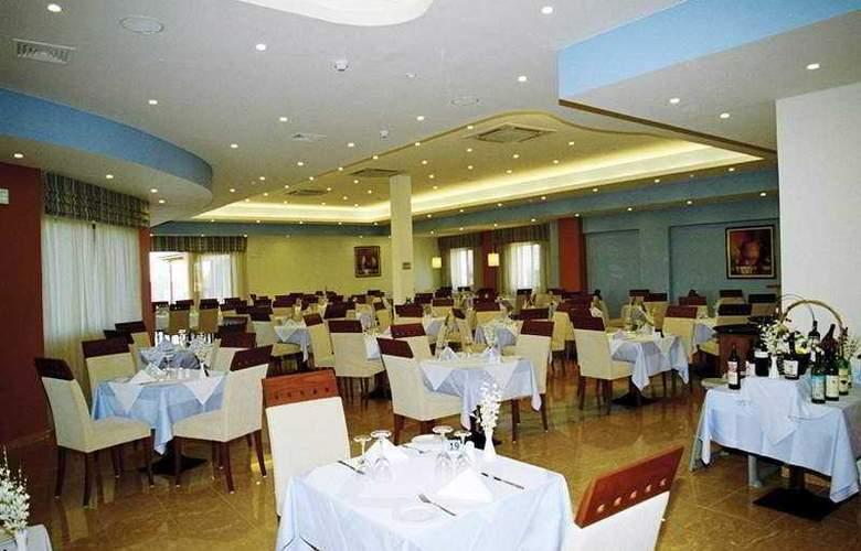 Mediterranean Beach ZTH - Restaurant - 2