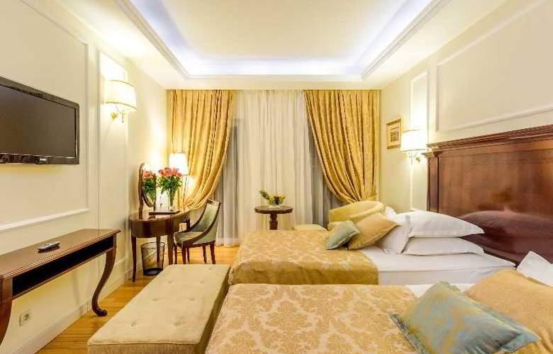 President Solin - Room - 23