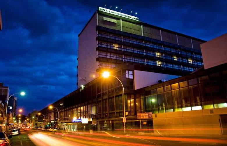 Protea Hotel Bloemfontein Central - Terrace - 5