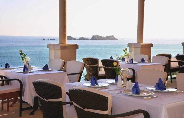More - Restaurant - 8