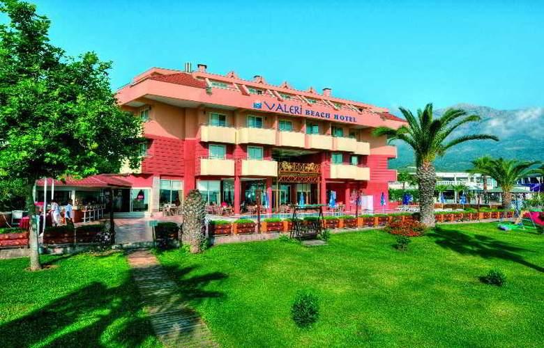 Valeri Beach Hotel - Hotel - 2