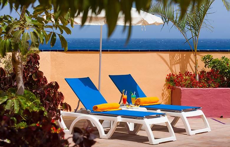 Club Marina Tenerife - Terrace - 3