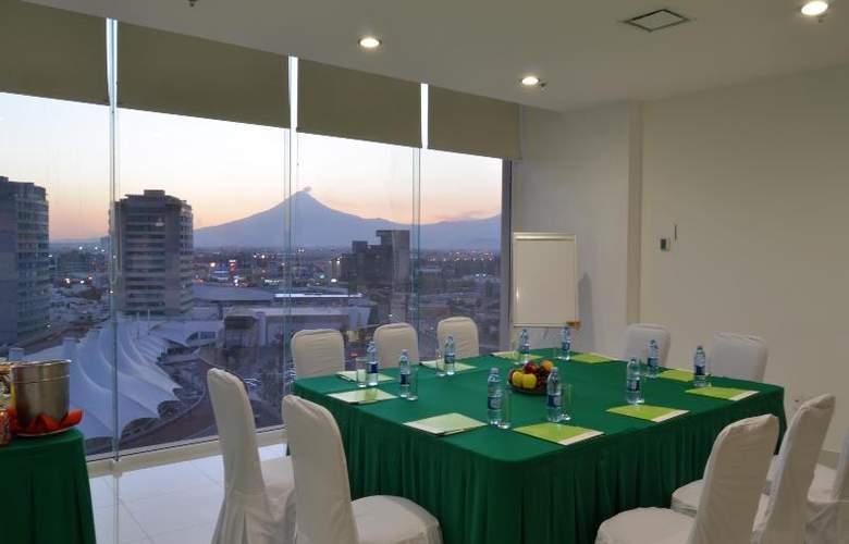 La Quinta Inn & Suites Puebla Palmas - Conference - 17