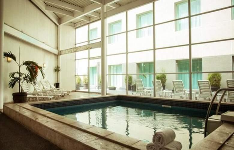 Fiesta Inn Periferico Sur - Pool - 21
