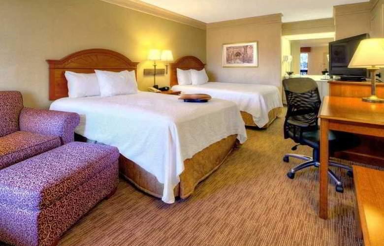 Hampton Inn Chattanooga Airport - Room - 7