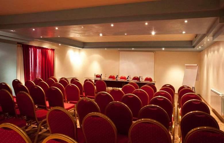 Dellarosa - Conference - 7