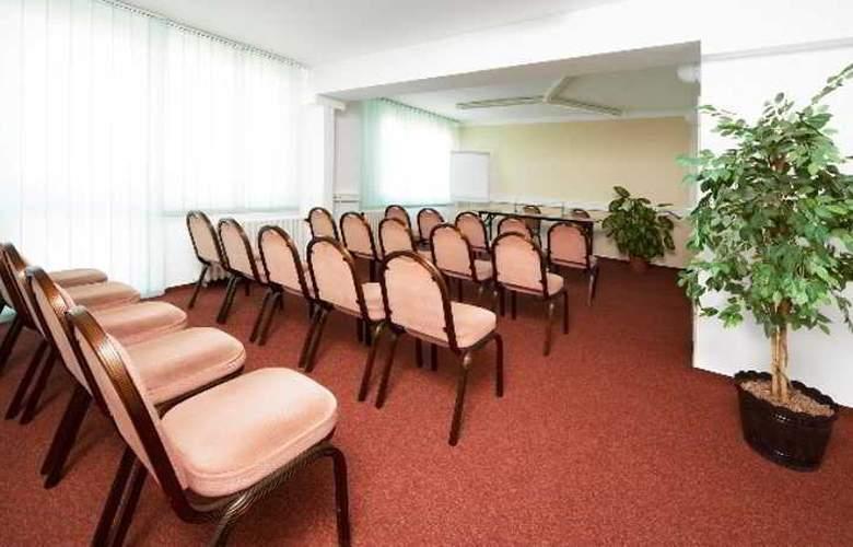 A&O Prag Rhea - Hotel - 4