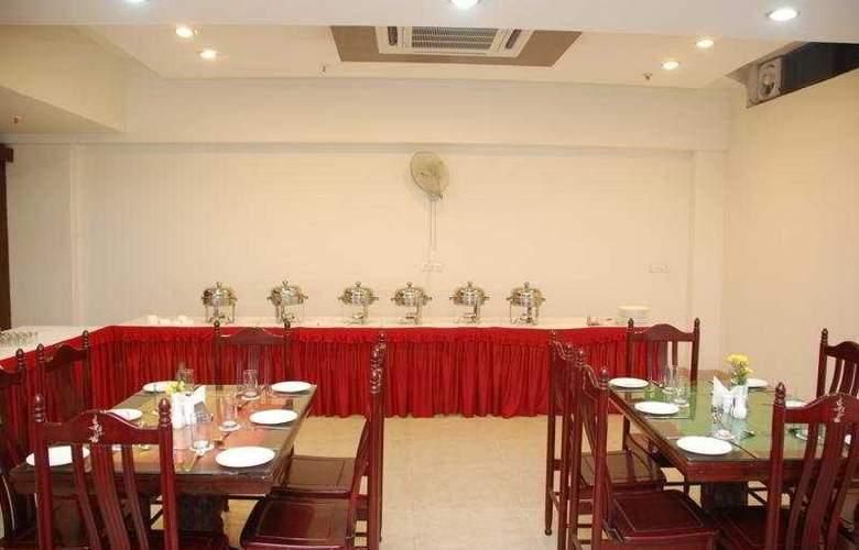 Cosy Grand - Restaurant - 5