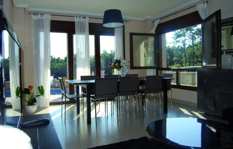 Sanxenxo Residences - Room - 1