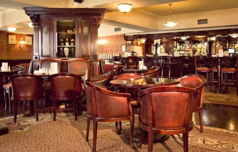 Buswells Dublin - Bar - 11