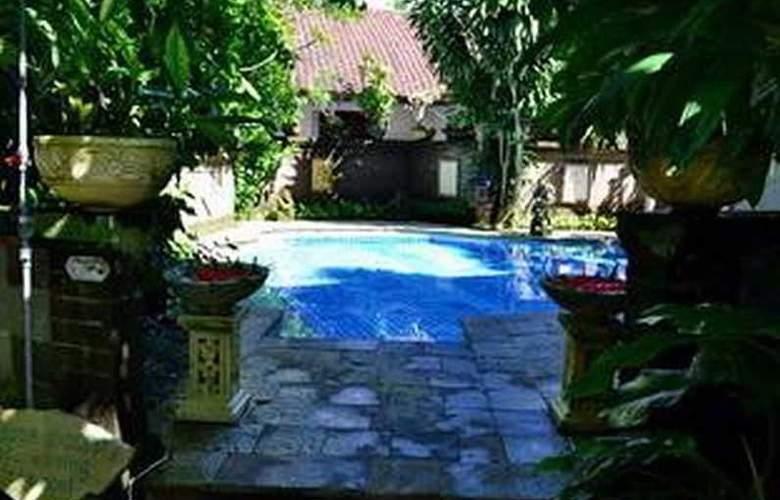 Flamboyan - Pool - 1