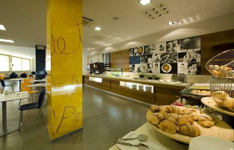 Holiday Inn Express Milan-Malpensa Airport - Restaurant - 20