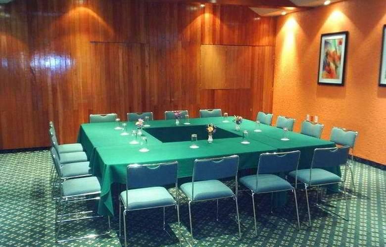 Segovia Regency - Conference - 10