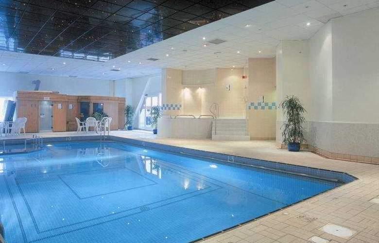 Holiday Inn Leicester - Pool - 2