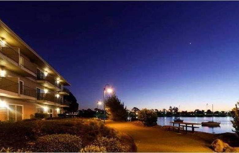 Best Western Plus Bayside Hotel - Hotel - 10