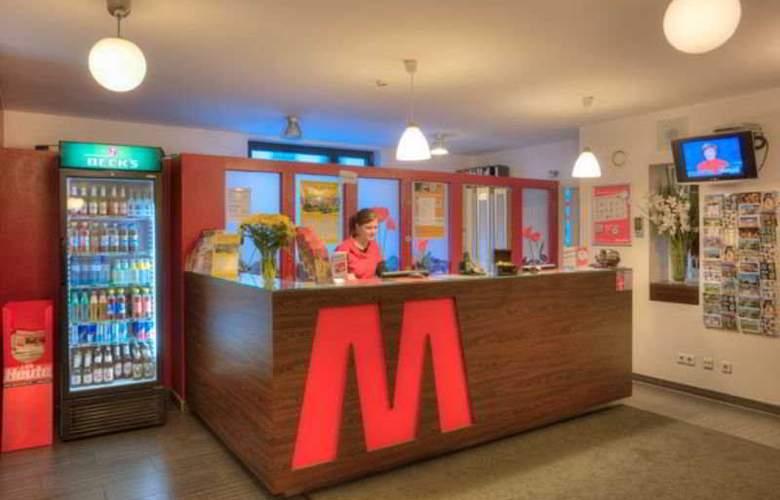 Meininger Hotel Vienna City Center - Bar - 8