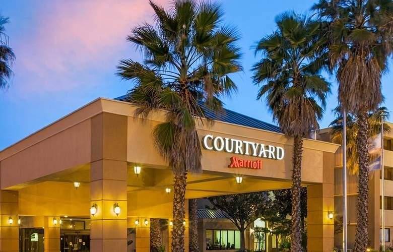 Courtyard Fairfield Napa Valley Area - Hotel - 0