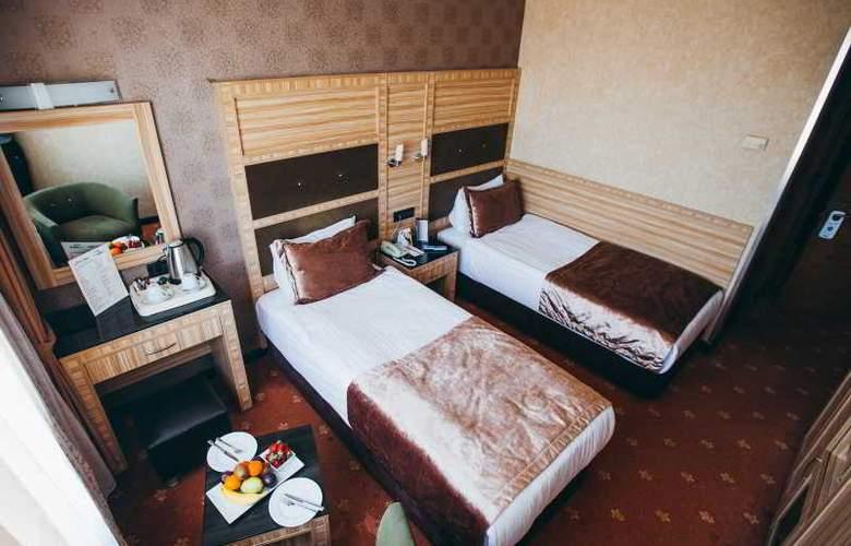 Sed - Room - 6