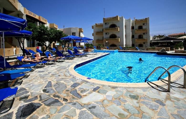Paradise Apartments - Pool - 6