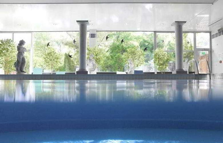 Holiday Inn Munich - Schwabing - Pool - 1