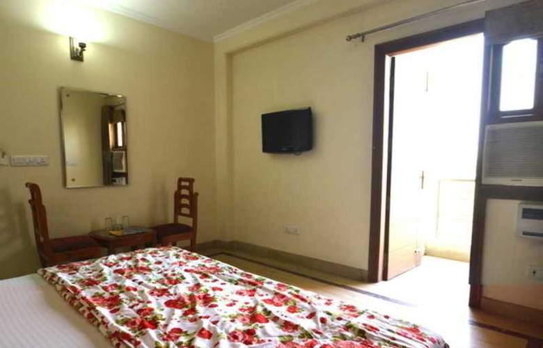 Indira International Inn - Room - 5
