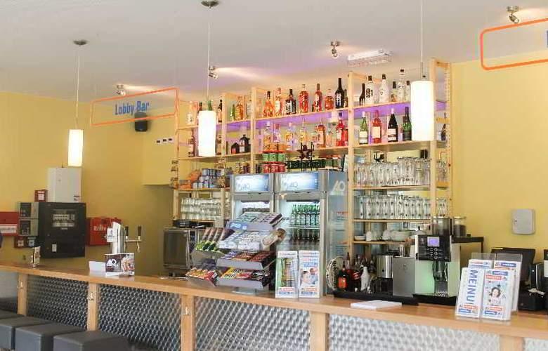 A&O Weimar - Bar - 2