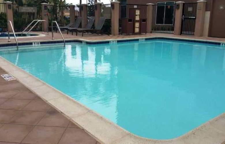 Hyatt Place at Anaheim Resort/ Convention Center - Pool - 2